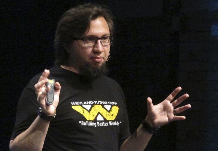 """El experto en software malicioso, Serguei Golovanov, de la firma antivirus Kaspersky Lab, con sede en Moscú, habla durante un curso de """"autodefensa cibernética"""" en Londres. (Agencias)"""