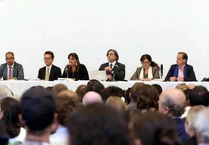 Los expertos del GIEI presentaron su último reporte del caso Iguala durante una rueda de prensa. (twitter.com/Reforma)