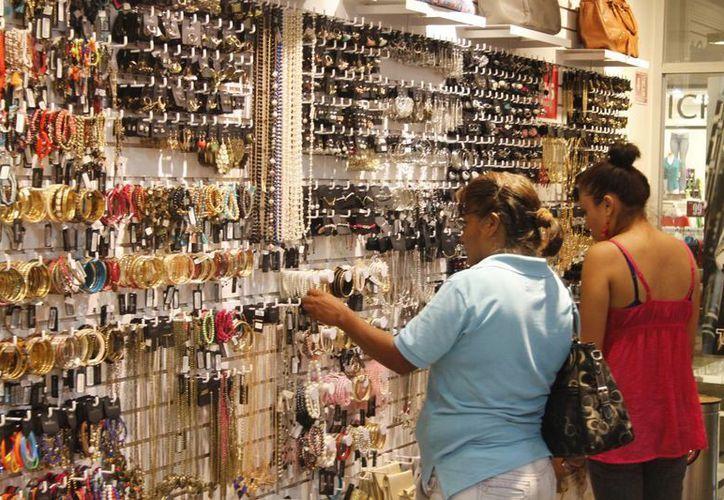 En la iniciativa federal participan tiendas departamentales, supermercados y mayoristas. (Archivo/SIPSE)