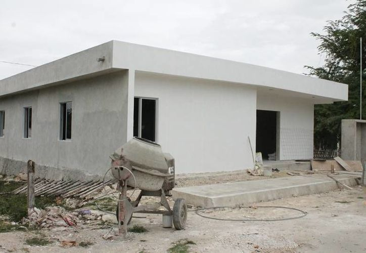 Los albergues se construyen en las comunidades de Revolución y Calderón. (Edgardo Rodríguez/SIPSE)