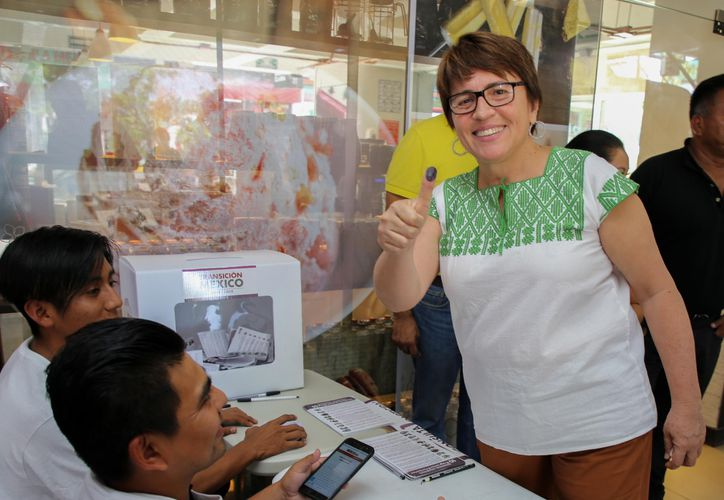 La presidenta municipal, Laura Beristain Navarrete, participó en la Consulta Nacional. (Cortesía/SIPSE)