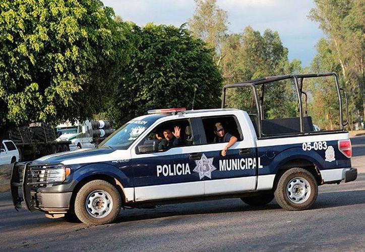 El cadáver del regidor, quien militaba en el PRD, Rubén Magaña Torres, fue hallado en un basurero, a donde acudió la Policía Municipal para el levantamiento del cuerpo. (excelsior.com.mx)