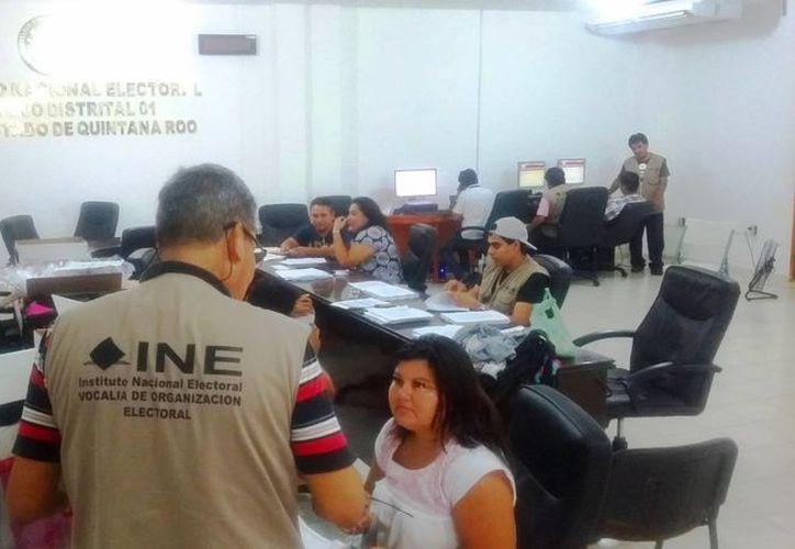 El INE vigilará que ningún partido político viole la veda electoral que inicia el 4 de junio. (Daniel Pacheco/SIPSE)