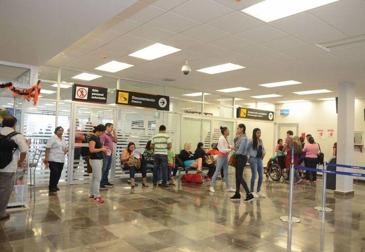 ''La terminal es apta para cubrir operaciones futuras, ya que ninguna tendrá horarios iguales''. (Eddy Bonilla/ SIPSE)