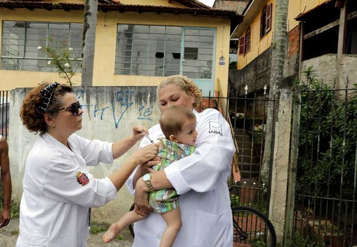 Brasil se encuentra inmerso en medio de una masiva campaña de vacunación.  (AP)