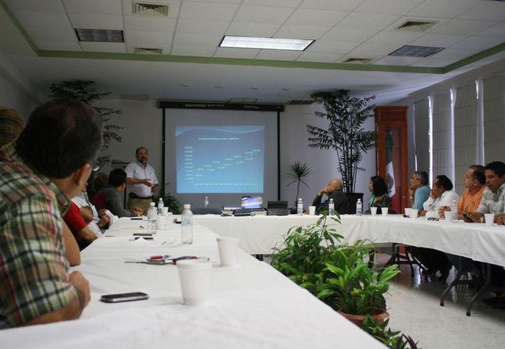 El Consejo Coordinador Empresarial y el Fideicomiso de Promoción Turística de Riviera Maya durante la asamblea mensual. (Yenny Gaona/SIPSE)