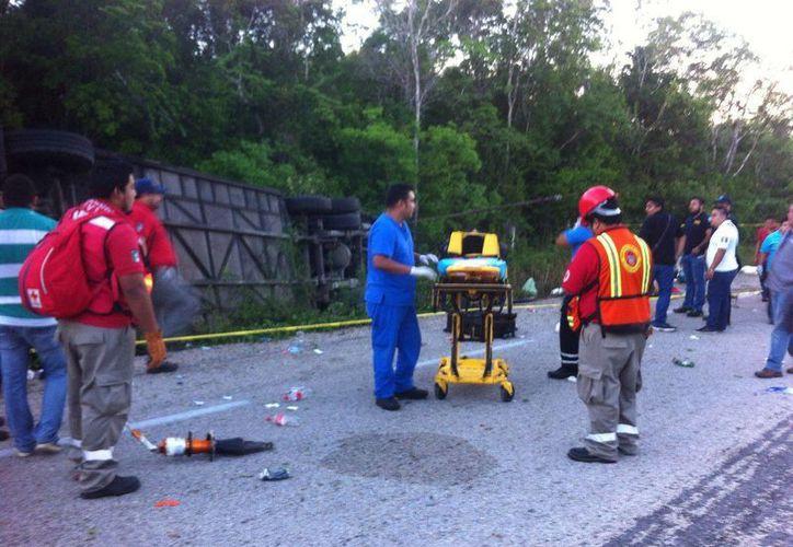 El equipo de emergencias se encuentra trabajando en el lugar. (Redacción/SIPSE)