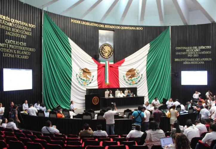 Marea Verde presentó a la XV Legislatura una iniciativa para revertir la penalización del aborto antes de la décimo segunda semana. (Redacción/SIPSE)