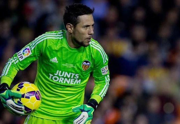 Diego Alves, arquero del Valencia se perderá la Copa América debido a una operación en la rodilla. (Fotografía: deportevalenciano.com)