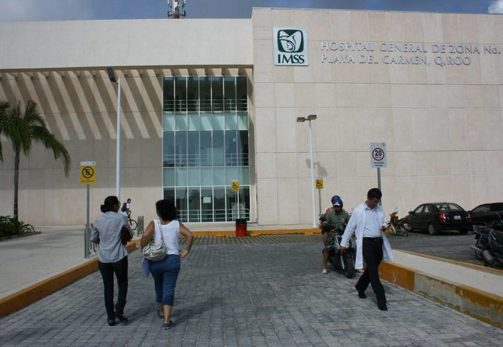 La madre de familia tuvo que internar a su hija en el Hospital General de la Secretaría de Salud estatal. (Adrián Barreto/SIPSE)