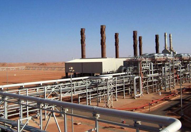 La masacre en la planta de gas de Al Menas es una prueba de que el terrorismo ya rebasó al gobierno libio. (EFE)