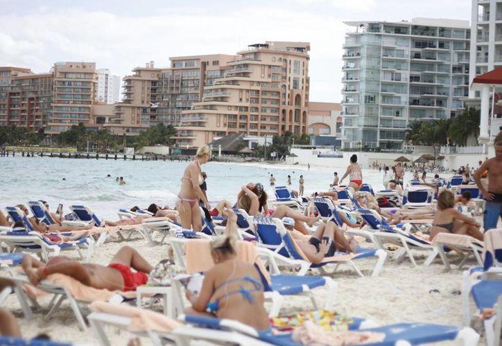 El año pasado alrededor de 200 mil turistas cariocas visitaron Cancún y la Riviera Maya. (Redacción/SIPSE)