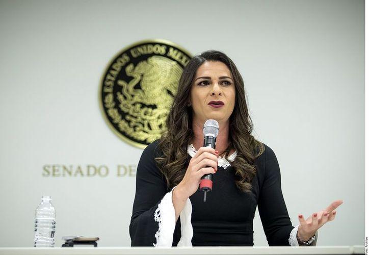 El presidente advirtió que el funcionario público que dedique tiempo a realizar campaña incurrirá en un acto de corrupción. (Foto: Reforma)