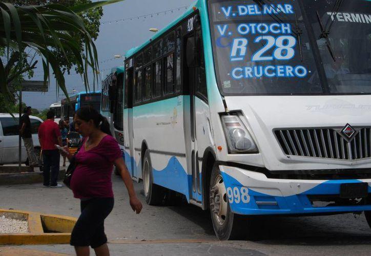 Las infracciones a los operadores van de los 100 a los 250 salarios mínimo. (Tomás Álvarez/SIPSE)