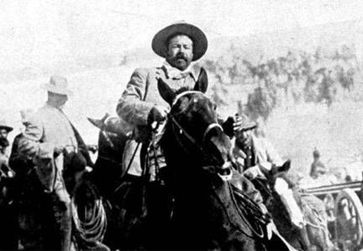 El libro trata de cómo la Revolución Mexicana en los años 60 se usó como imaginario fílmico. (Cineralia.com)