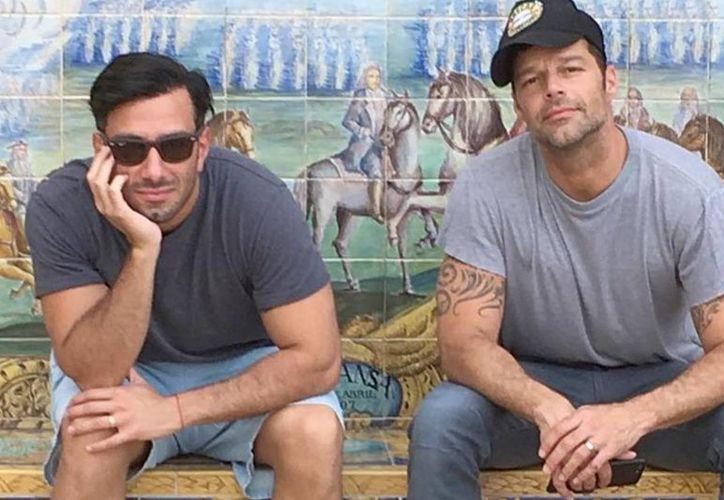 El cantante Ricky Martin abrió por primera vez las puertas de su hogar junto a su novio, Jwan Yosef. (Foto: Nueva Mujer)