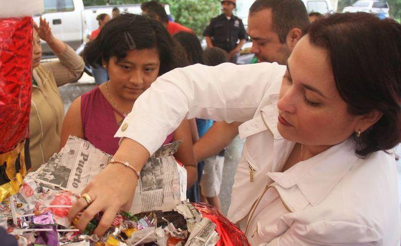 Se repartieron dulces y juguetes durante el convivio. (Cortesía/SIPSE)