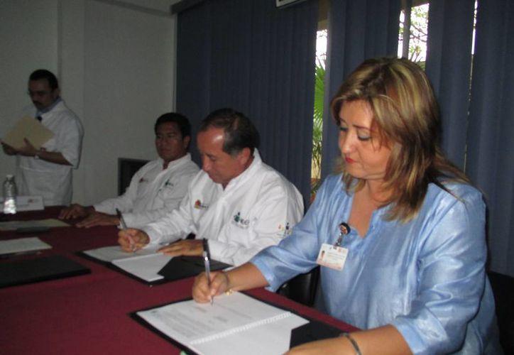 El Centro de Integración Juvenil formaliza alianza con el IEEA. (Sergio Orozco/SIPSE)