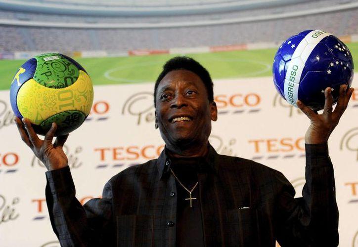 Pelé ha estado hospitalizado desde el 24 de noviembre, pero todavía no se sabe cuándo le darán el alta médica. (EFE)