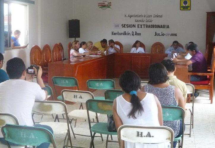 La sesión fue encabezada por la primera regidora Juanita Sulub Chuc. (Raúl Balam/SIPSE)