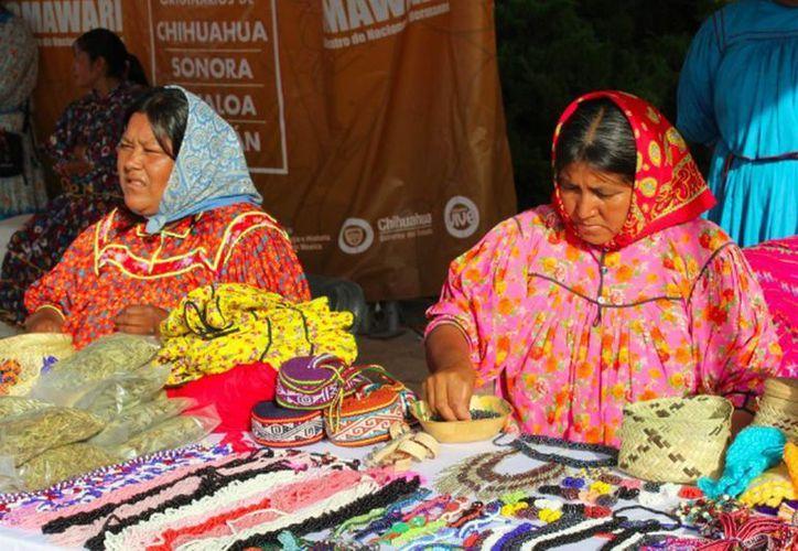 Las comunidades indígenas O'oba, Odami, Warijios, Rarámuris, Yoremes, Yaquis y Mayos de distintas regiones del país, se reunieron para festejar el Día Internacional de los Pueblos Indígenas. (Notimex)
