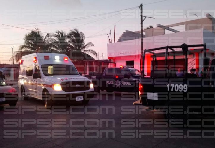 Vecinos de la zona fueron retirados de la escena del crimen. (Redacción/SIPSE)