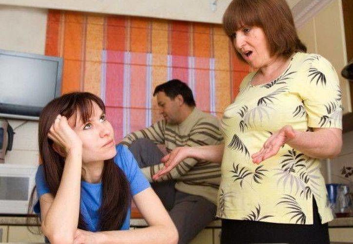 Tener 'mamitis' es como haberse casado con la suegra, dice la Iglesia católica italiana. (Agencias)