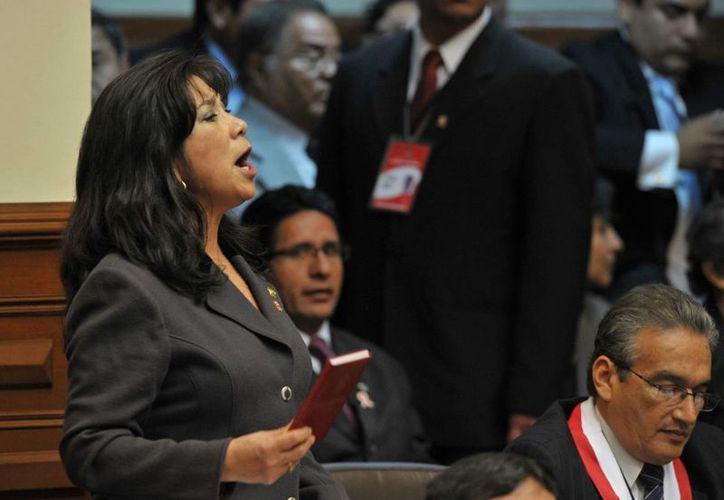 Martha Chávez señaló que hubiera sido justo que el congresista Bruce hubiera señalado que la propuesta lo beneficiaba. (Archivo/EFE)