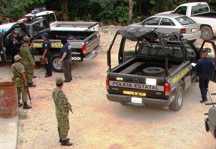 Dos policías abandonaron sus puestos de trabajo en la base de Punta Allen, ya los busca la Sedena por ser presuntos cómplices de tráfico de droga.  (Redacción/SIPSE)