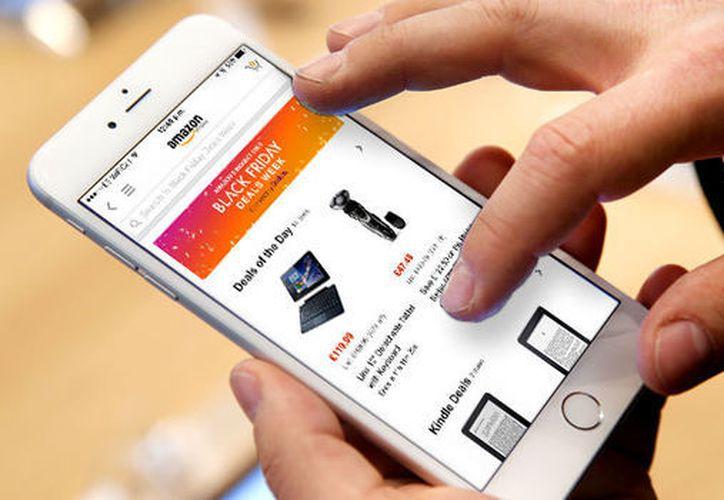 Instala en tu dispositivo una solución de seguridad que tenga herramientas integradas para evitar fraudes financieros. (Contexto)