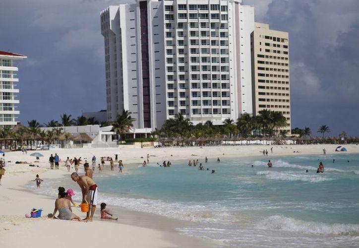 Las grandes cadenas hoteleras ya reportan sobreventa de cuartos. (Israel Leal/SIPSE)