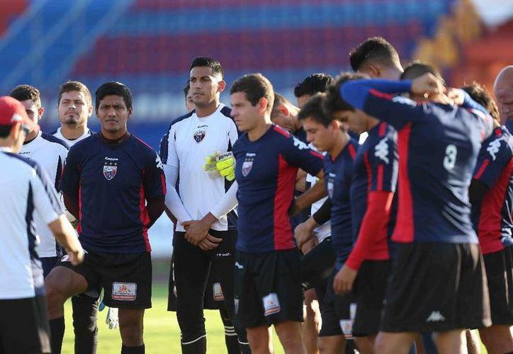 El timonel pidió calma a los jugadores, quienes planean estrategias para buscar el triunfo. (Ángel Mazariego/SIPSE)