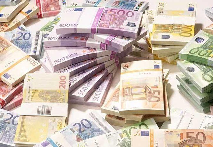 La mujer, con nacionalidad dominicana y española, portaba además, ocultos en su equipaje, otros 54 mil 602 euros. Foto de contexto solo para fines ilustrativos. (Archivo/EFE)