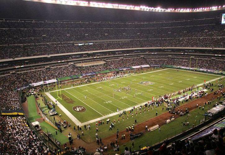 El próximo domingo, el Estadio 'Azteca' vivirá un partido más de Temporada regular de la NFL, ante más de 100 mil aficionados.(Archivo/Notimex)