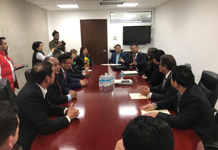 Empresarios del sur de Quintana Roo presentaron al Congreso del Estado una propuesta para disminuir el IVA e ISR.  (Daniel Tejada/SIPSE)