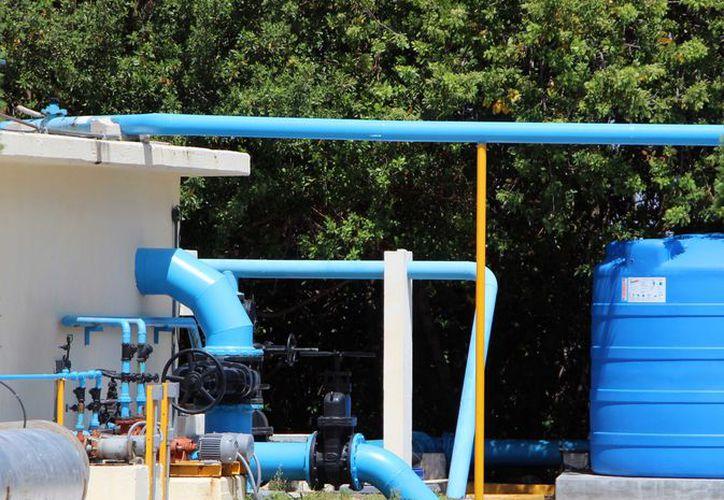 Asimismo el PAOP contempla dos millones y medio en retiro de aguas negras en zona hotelera a lo largo del año. (Paola Chiomante)