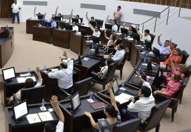 El Gobierno del Estado, a su vez, podrá modificar los proyectos de presupuesto planteados por los organismos autónomos, y tiene de plazo hasta el 25 de noviembre para enviarlo al Congreso del Estado, que resolverá el Paquete Fiscal de Yucatán para 2016. (SIPSE)