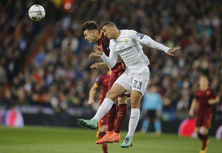 El Real Madrid selló el trámite para avanzar a los cuartos de final de la Champions League, este martes en el Estadio Santiago Bernabéu. (AP)