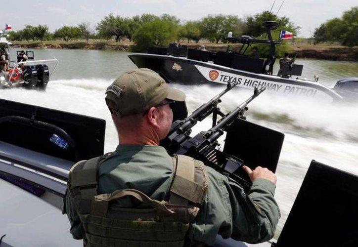 Los críticos del excesivo blindaje a la frontera de Texas con México temen que la multimillonaria inversión en seguridad no rinda frutos. (AP)