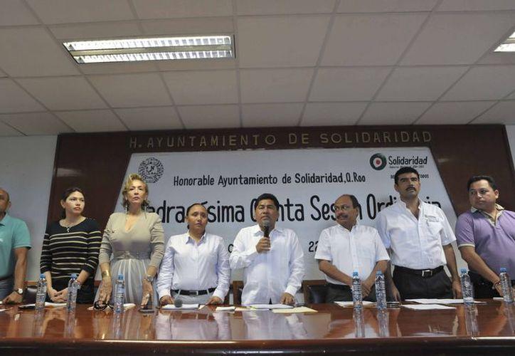 El cuerpo de regidores durante la Cuadragésima Quinta Sesión Ordinaria. (Redacción/SIPSE)