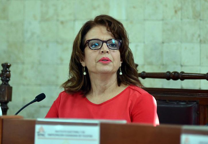 La consejera presidenta del Iepac, María de Lourdes Rosas Moya, afirma que el organismo que representa aún es notificado de la denuncia por un supuesto despido. (Luis Pérez/SIPSE)