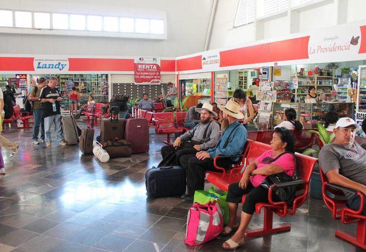 La decisión de reubicar la terminal, es debido a que en temporadas de lluvia, las instalaciones se inundan. (Harold Alcocer/SIPSE)