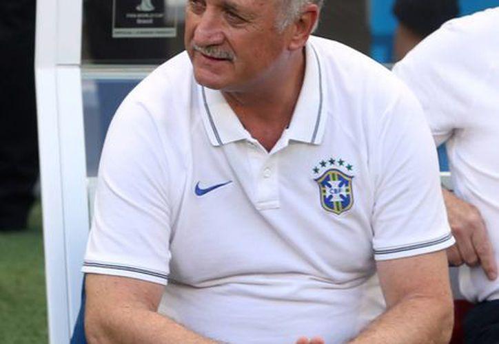 Scolari fue campeón del mundo con Brasil en 2002, pero esta vez encabezó un desastre futbolístico por el cual ya fue despedido. (Notimex/Foto de archivo)