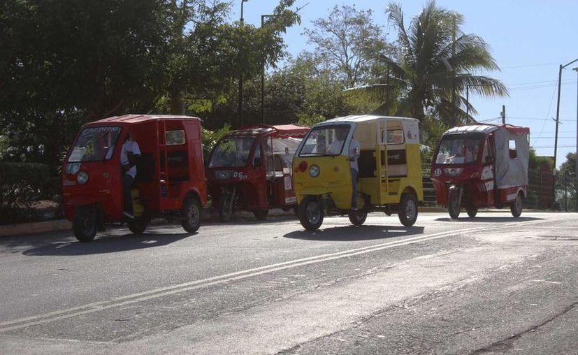 El delegado de Sintra, Jesús Duarte Yam comentó que no hay capacidad en Puerto Aventuras para que más organizaciones presten su servicio de mototaxi en Puerto Aventuras. (Octavio Martínez/SIPSE)