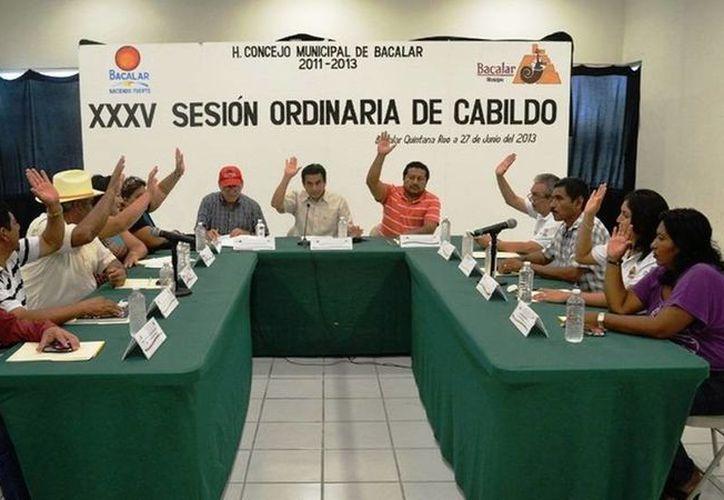 Momentos de la XXXV sesión ordinaria de Cabildo. (Archivo/SIPSE)