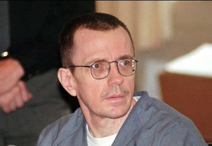 En esta foto del 19 de octubre de 1998, Joseph Paul Franklin participaba en una audiencia en un tribunal en el condado Hamilton. (Agencias)