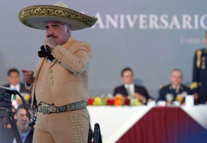 El cantante Vicente Fernández convalece en su rancho 'Los Tres Potrillos', tras una intervención quirúrgica programada. (Archivo/NTX)