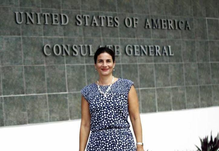 La diplomática estadounidense Sonya Tsiros indicó que la reforma migratoria en su país busca fortalecer los controles en la frontera. (Archivo/SIPSE)