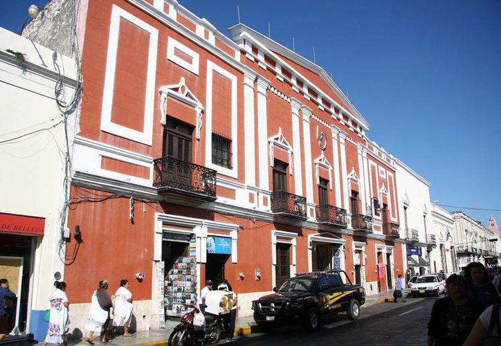 El hotel Oviedo de Mérida se ubica a una cuadra del Plaza Grande (zócalo) de la capital yucateca. (Jorge Pallota/SIPSE)
