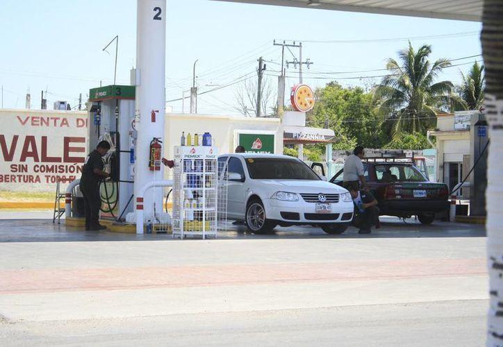 Diminuyeb a un 15 por ciento las ventas del combustible. (Harold Alcocer/SIPSE)